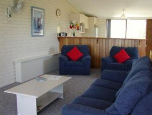 Penguin Mews - Accommodation VIC