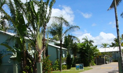 Coral Reef Resort  Holiday Apartments - Accommodation VIC