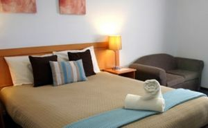 Colonial Lodge Motor Inn - Accommodation VIC