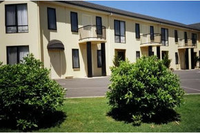 Hopkins House Motel & Apartments - Accommodation VIC