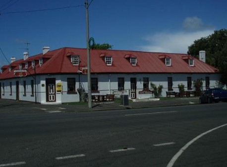 Caledonian Inn Hotel Motel - Accommodation VIC