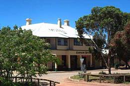 Hawker Hotel Motel - Accommodation VIC