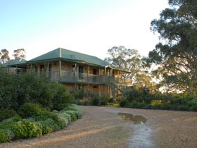 Lindsay House - Accommodation VIC