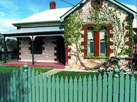 Naracoorte Cottages - Smith Street Villa - Accommodation VIC