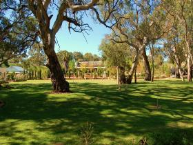 Jacobs Creek Retreat at Moorooroo Park - Accommodation VIC