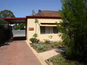 Loxton Smiffy's Bed And Breakfast Sadlier Street - Accommodation VIC