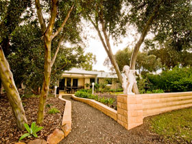Correa Corner Bed  Breakfast - Accommodation VIC