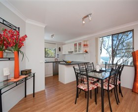 Magnus Street Treetops - Accommodation VIC