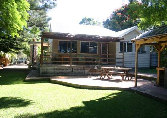 Pine Cottage - Accommodation VIC