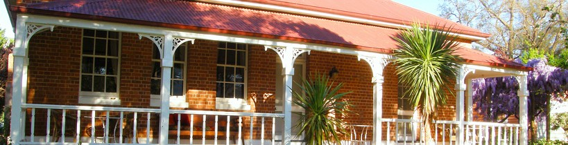 Araluen Old Courthouse Bed and Breakfast - Accommodation VIC