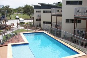 Emu's Beach Resort - Accommodation VIC