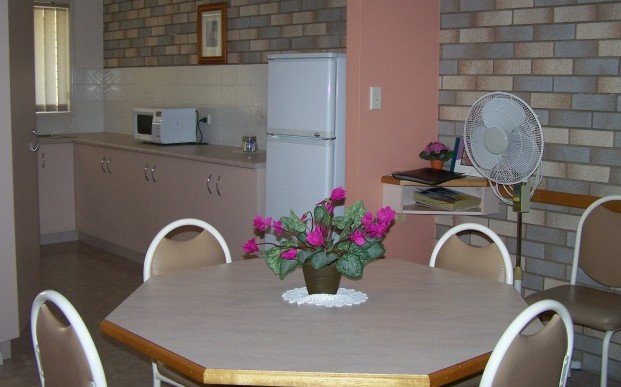 Cedar Lodge Holiday Units - Accommodation VIC