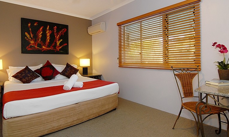 Australis Cairns Beach Resort - Accommodation VIC