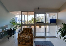 Burleigh Beach Tower - Accommodation VIC