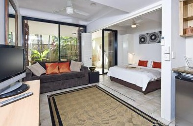 Julians Apartments - Accommodation VIC