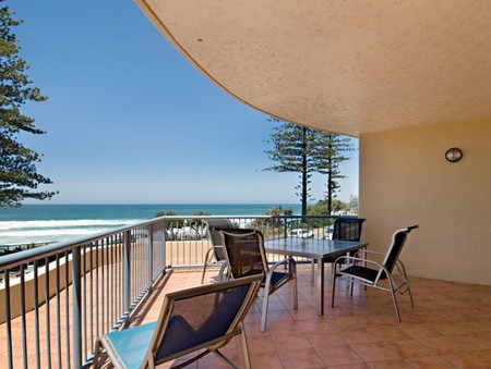 Coolum Baywatch Resort - Accommodation VIC