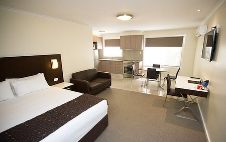 Country Comfort Premier Motel - Accommodation VIC