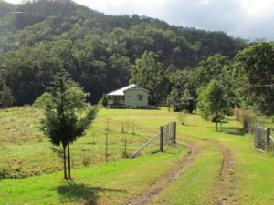 Eighteen Mile Cottage and Homestead - Accommodation VIC