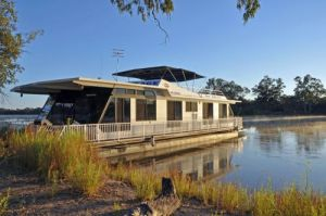 Houseboat Heaven - Accommodation VIC