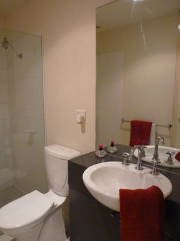 Australian Home Away  Market Square Melbourne - Accommodation VIC