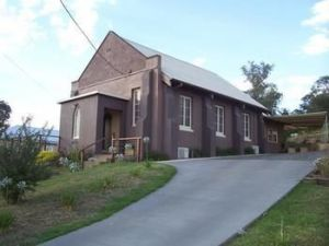 Church House BampB Gundagai - Accommodation VIC