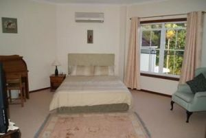 Kingfishers Manor  Noosa - Accommodation VIC