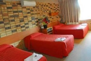 Palms Hotel Motel Chullora - Accommodation VIC