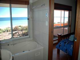 Ceduna Shelly Beach Caravan Park and Beachfront Villas - Accommodation VIC