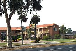 Comfort Inn and Suites King Avenue - Accommodation VIC