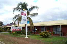 Country Roads Motor Inn - Accommodation VIC