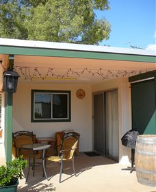 Charleville Bush Caravan Park And Cottage - Accommodation VIC