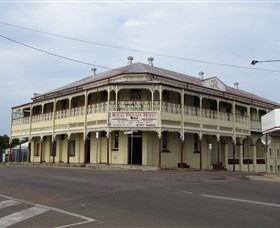 Royal Private Hotel - Accommodation VIC