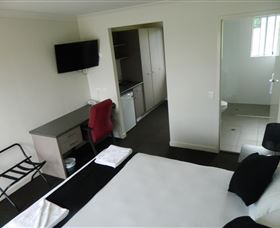Dooleys Tavern and Motel Springsure - Accommodation VIC