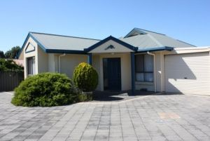 Robe Dolphin Court Apartments - Accommodation VIC