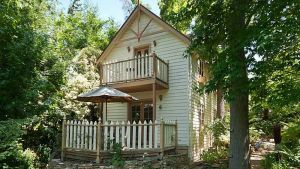 Aldgate Creek Cottage Bed and Breakfast - Accommodation VIC