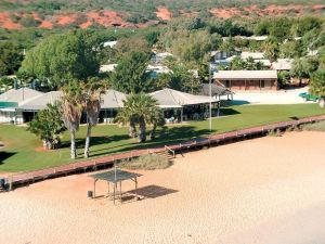 Monkey Mia Dolphin Resort Caravan and Camping - Accommodation VIC