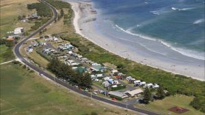 Port MacDonnell Foreshore Tourist Park - Accommodation VIC