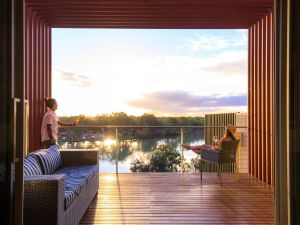 The Frames - Luxury Riverland Accommodation - Accommodation VIC
