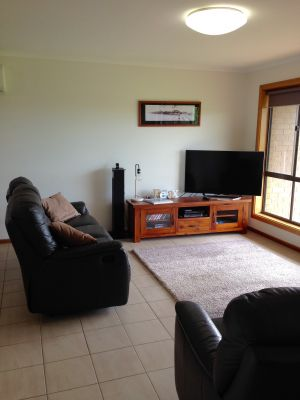 Springs Beach House - Accommodation VIC