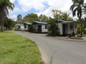 Tropicana Caravan Park Sarina - Accommodation VIC