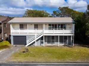 Seaview Getaway  Dunbogan - Accommodation VIC