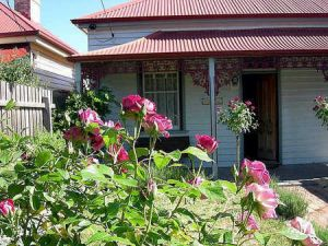 Airleigh - Rose Cottage - Accommodation VIC