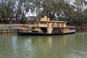 Emmylou Paddle Steamer - Accommodation VIC