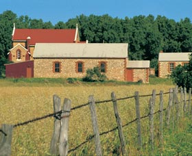 Central Greenough Historic Settlement - Accommodation VIC