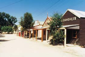 Old Tailem Town Pioneer Village - Accommodation VIC