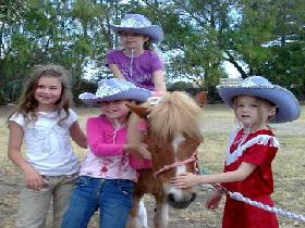 Amberainbow Pony Rides - Accommodation VIC