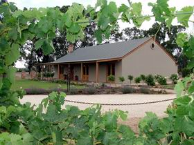 VineCrest Fine Barossa Wine - Accommodation VIC