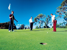 Oatlands Golf Course - Accommodation VIC