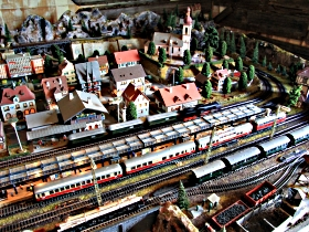 Tudor Court Model Village and German Model Train World - Accommodation VIC