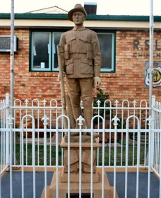 Soldier Statue Memorial Chinchilla - Accommodation VIC